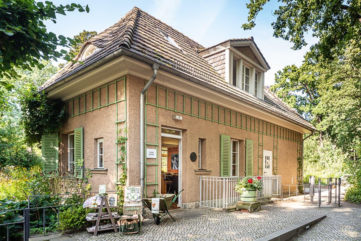 Aussenfassade des Shops der Liebemann-Villa