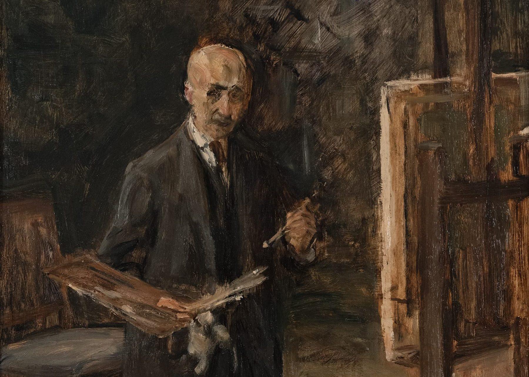 Ausschnitt eines in dunklen Farben gehaltenen Selbstporträts von Max Liebermann vor einer Staffelei stehend.